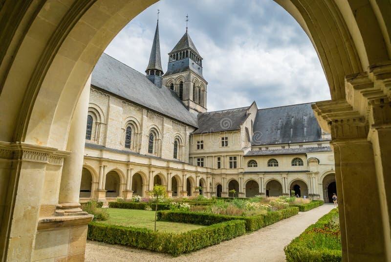 Fontevraud修道院法院和庭院在法国 库存照片