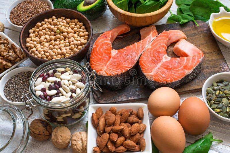 Fonti animali e di verdure di Omega 3 acidi fotografia stock