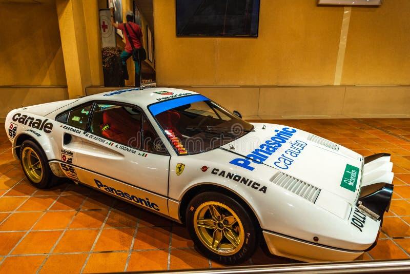 FONTVIEILLE, MÔNACO - EM JUNHO DE 2017: FERRARI branco 308 GROUPE 4 1976 no museu da coleção dos carros da parte superior de Môna foto de stock royalty free