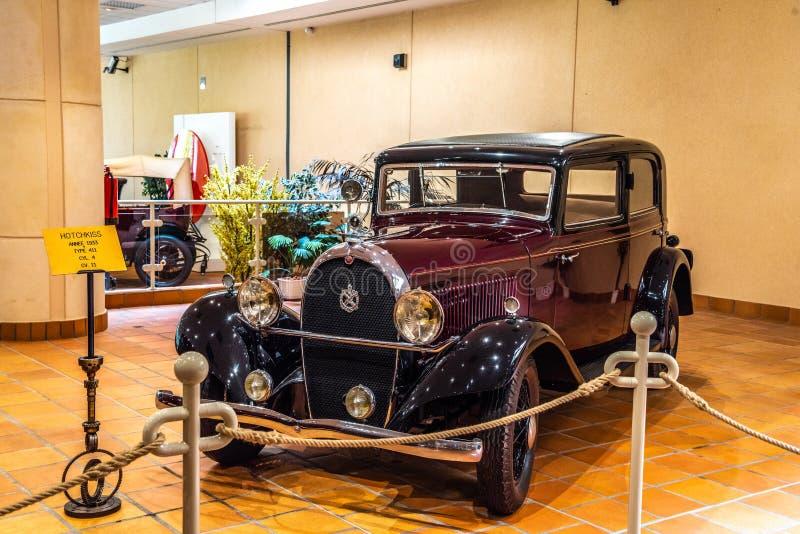 FONTVIEILLE, MONACO - JUIN 2017 : HOTCHKISS marron 411 1933 dans le musée de collection de voitures de dessus du Monaco image stock