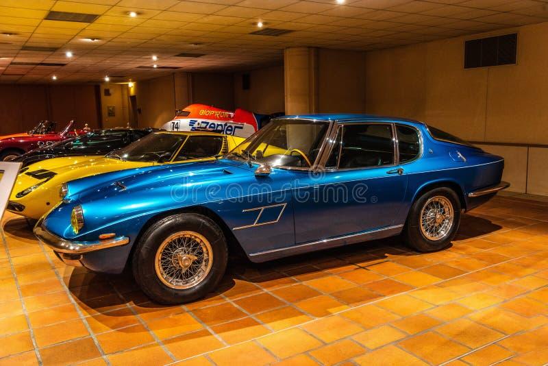 FONTVIEILLE, MONACO - JUN 2017: blauwe MASERATI-MISTRAL 4 1968 binnen royalty-vrije stock foto