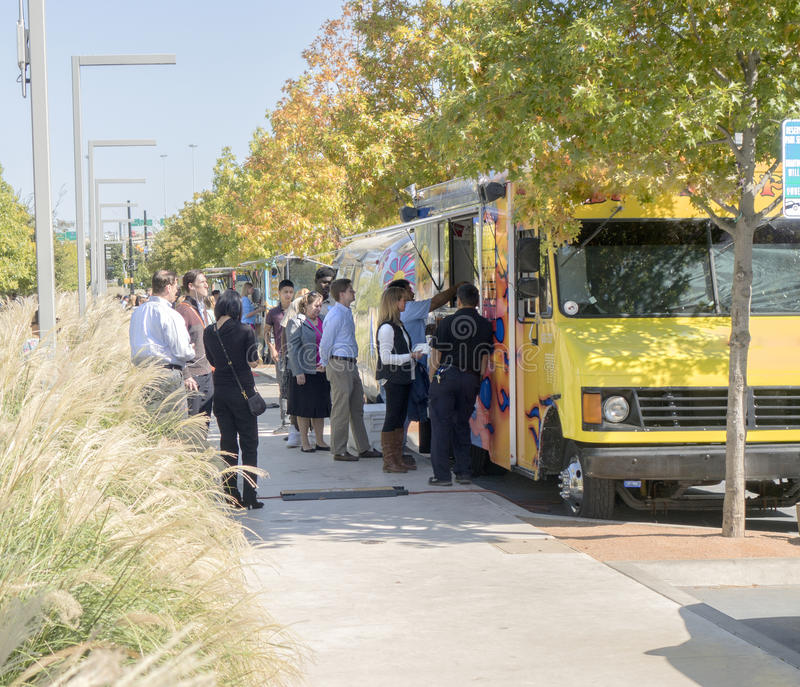 Download Food Trucks Serving Office Workers At Lunchtime In Dallas Editorial Stock Image