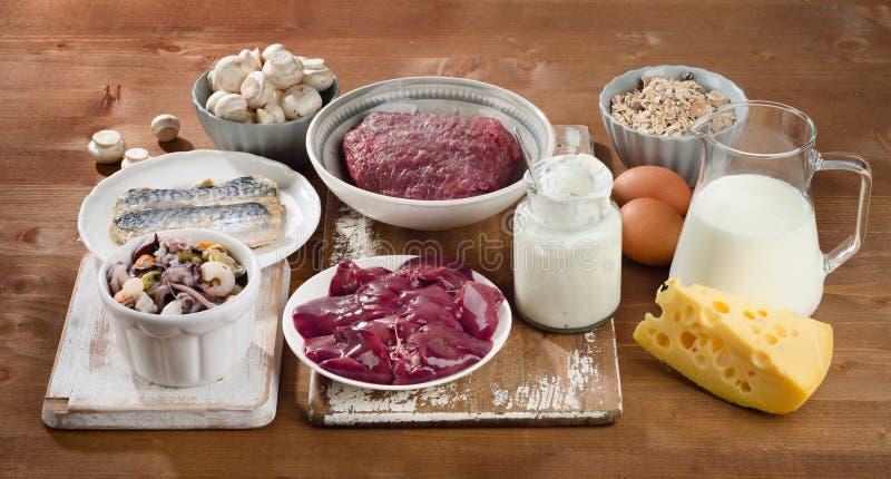 Foods högt i vitaminet B12 (Cobalamin) arkivbild