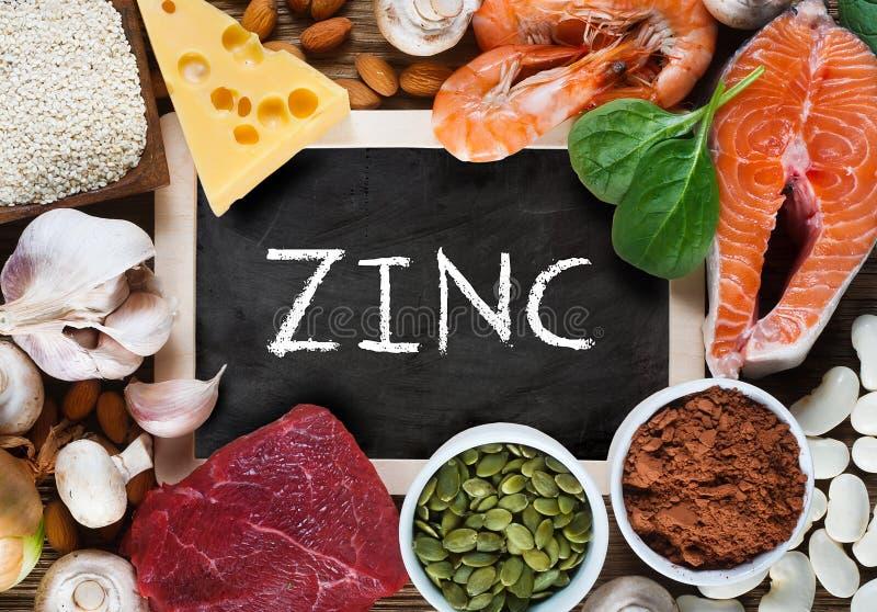 Foods som är höga i zink royaltyfria foton