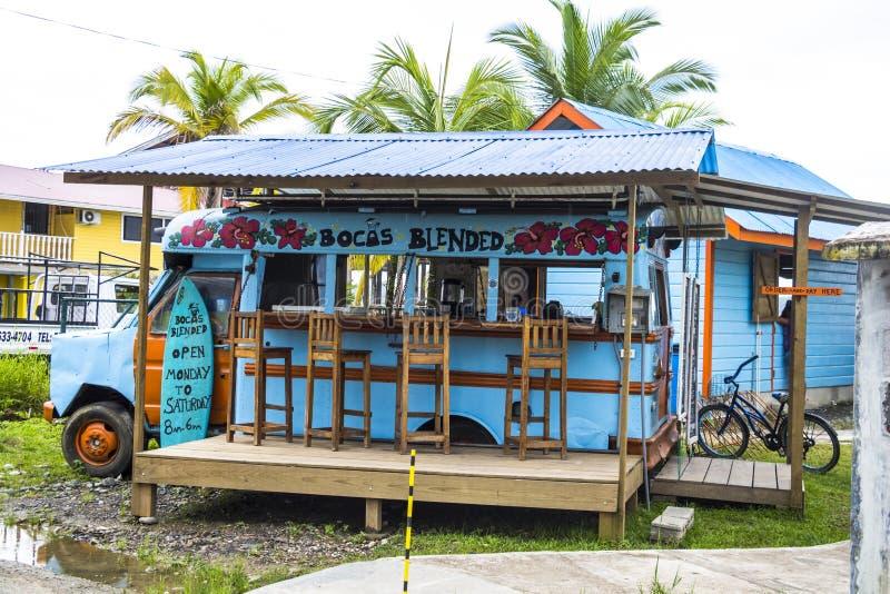 Foodtruck variopinto nel del Toro, Panama di Bocas fotografia stock