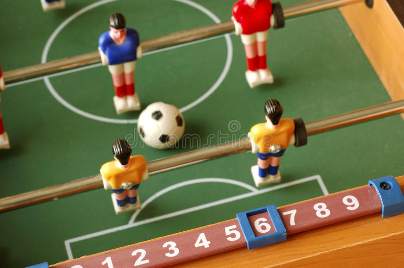 Foosball-Fußball-Spieltisch stockfotografie