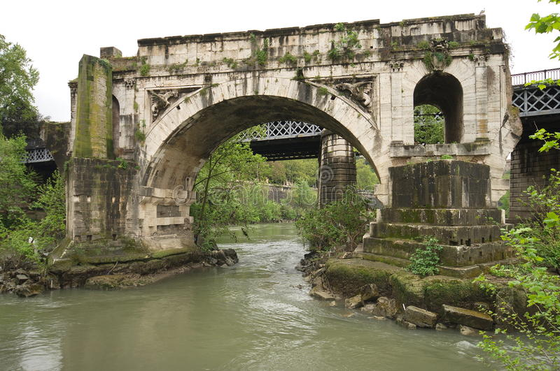 Download Ponte Rotto And Tiber River - Landmark Attraction In Rome, Italy Stock Image - Image: 21236847