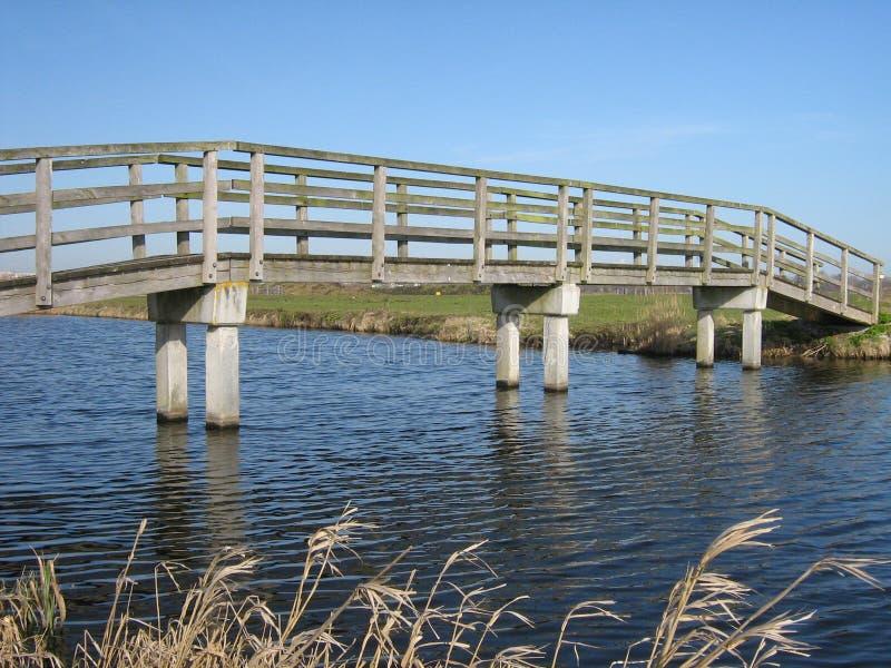Деревянный Footbridge стоковые изображения