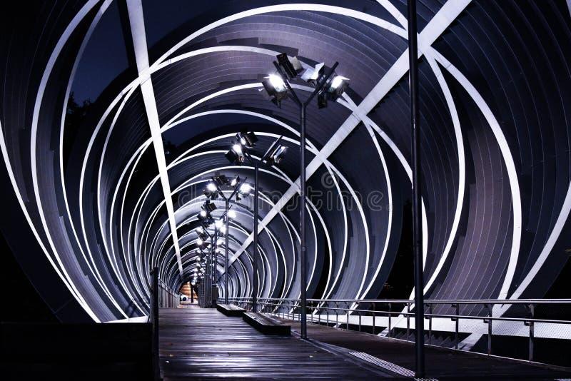 Footbridge Arganzuela, Madryt centrum miasta noc, Hiszpania zdjęcia royalty free