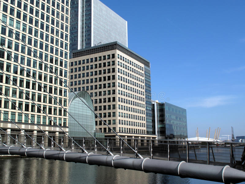 Footbridge In Canary Wharf In London S Docklands Stock Photos