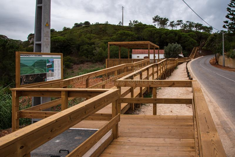 Footbridge Escarpas в Torres Vedras Португалии стоковое фото