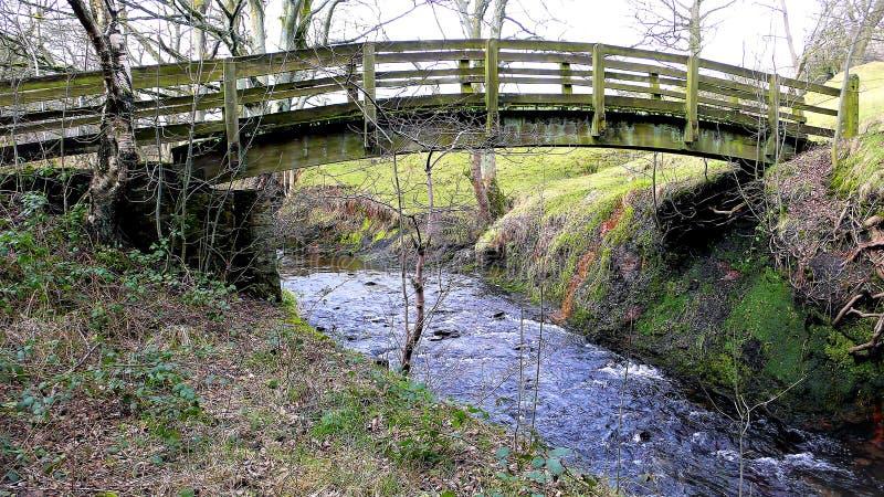 footbridge Padley wąwóz, Derbyshire, UK obraz stock