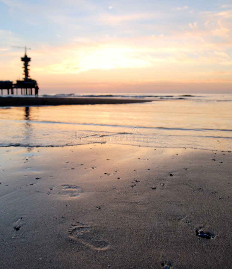 Free Footprints To The Pier Royalty Free Stock Images - 3607819