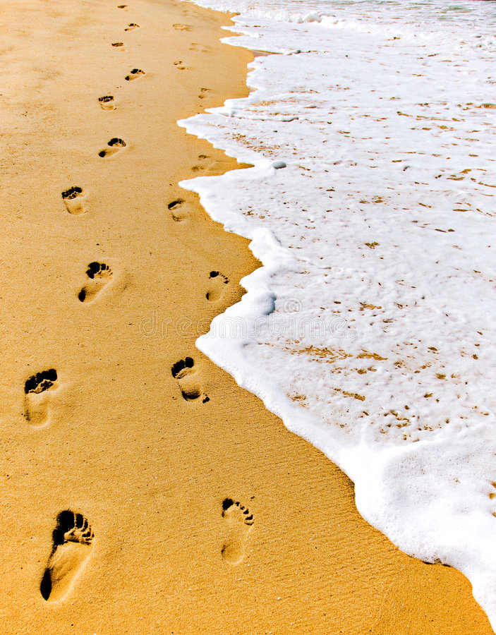 Free Footsteps In Sand Royalty Free Stock Photos - 7482998
