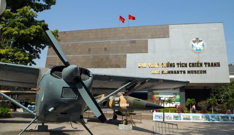 A FORÇA AÉREA de E.U. plana do exército perto do museu dos restos de Saigon capturou o dur foto de stock