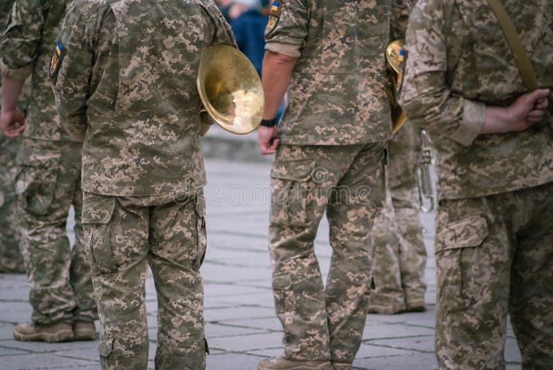 Forças armadas ucranianas na celebração do dia da vitória na segunda guerra mundial, Kamianets-Podilskyi no 9 de maio de 2019 fotografia de stock