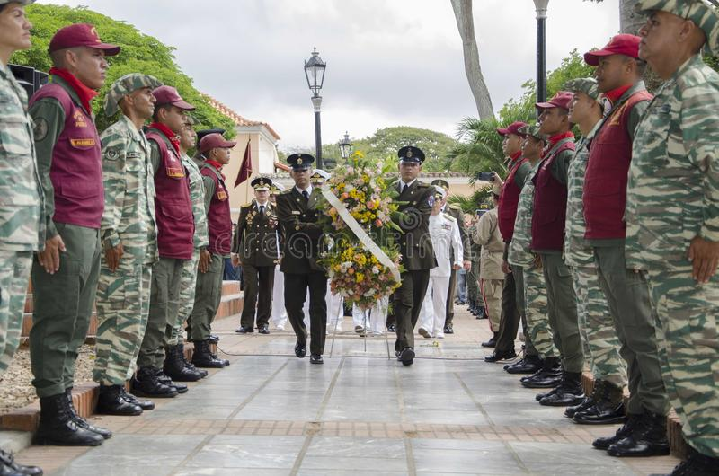 Forças armadas venezuelanas de Bolivarian no ato em memória do aniversário em 198 anos imagens de stock