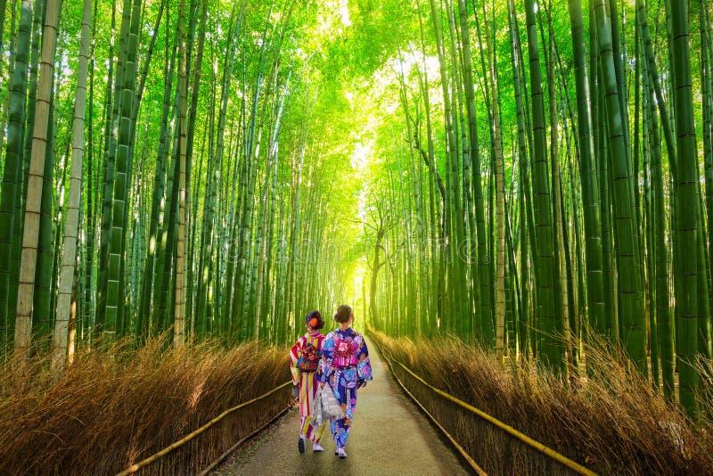 Forêt en bambou d'Arashiyama près de Kyoto, Japon photographie stock libre de droits
