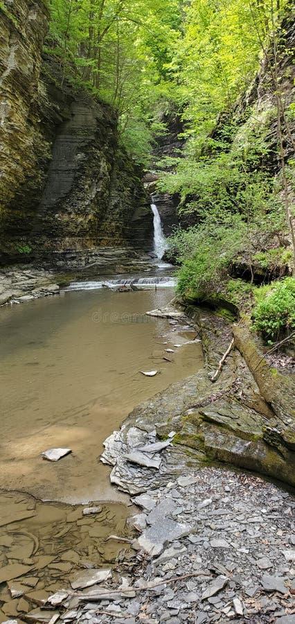 Fora da cachoeira natural do trajeto imagens de stock royalty free
