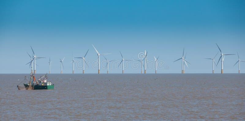 Fora da certo turbina eólica fotos de stock