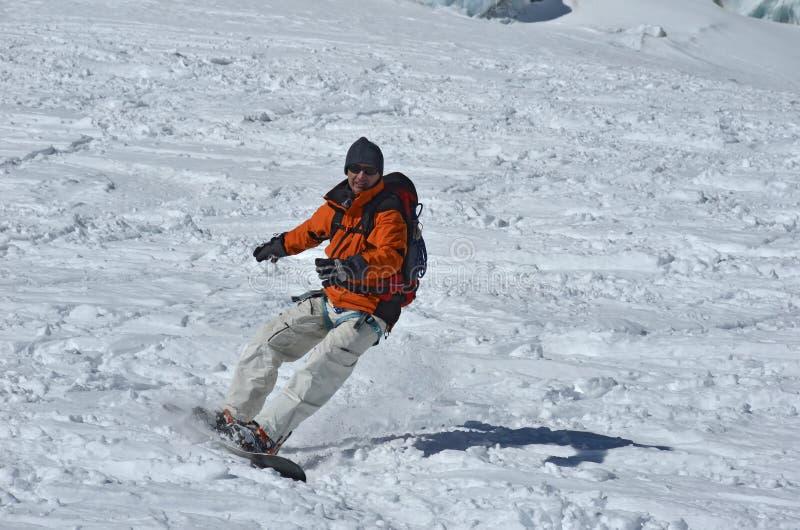 Fora da snowboarding da fuga imagens de stock