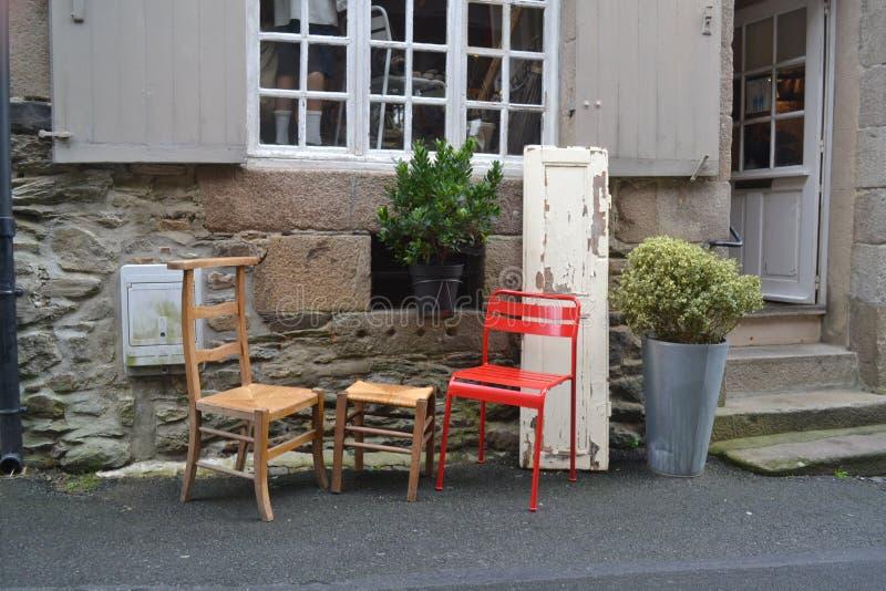 Fora de uma barra pequena do café em França fotos de stock