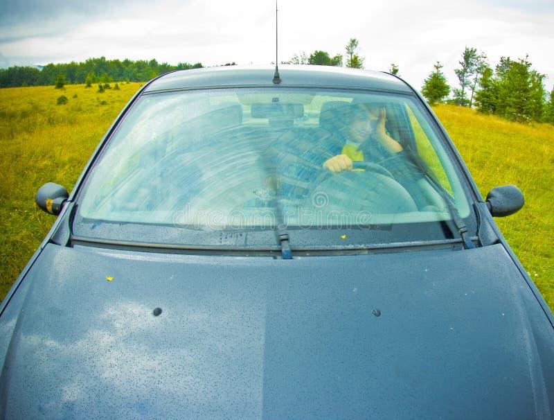 Fora do carro da estrada imagens de stock royalty free