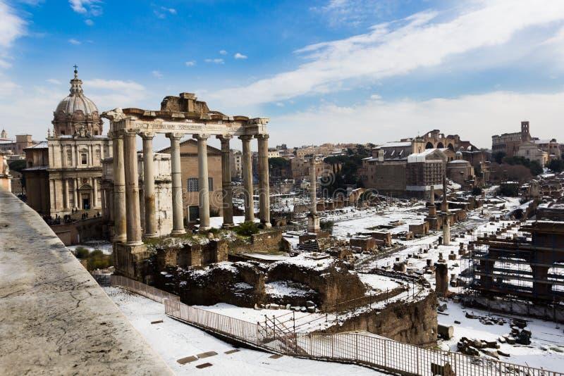 foramonument annat roman saturn tempel arkivbilder