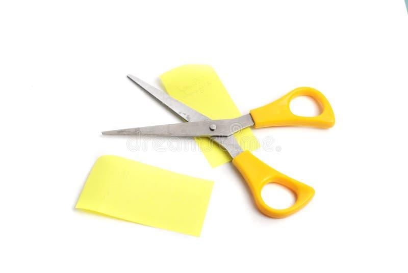 Forbici con le maniglie gialle, fotografia stock libera da diritti