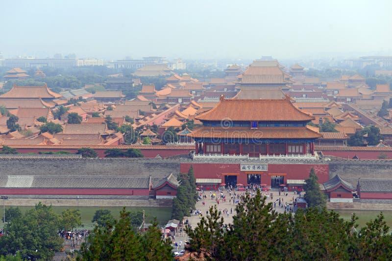 Forbiddenet City bak den Tiananmen fyrkanten i huvudstaden, Peking, Kina royaltyfria foton