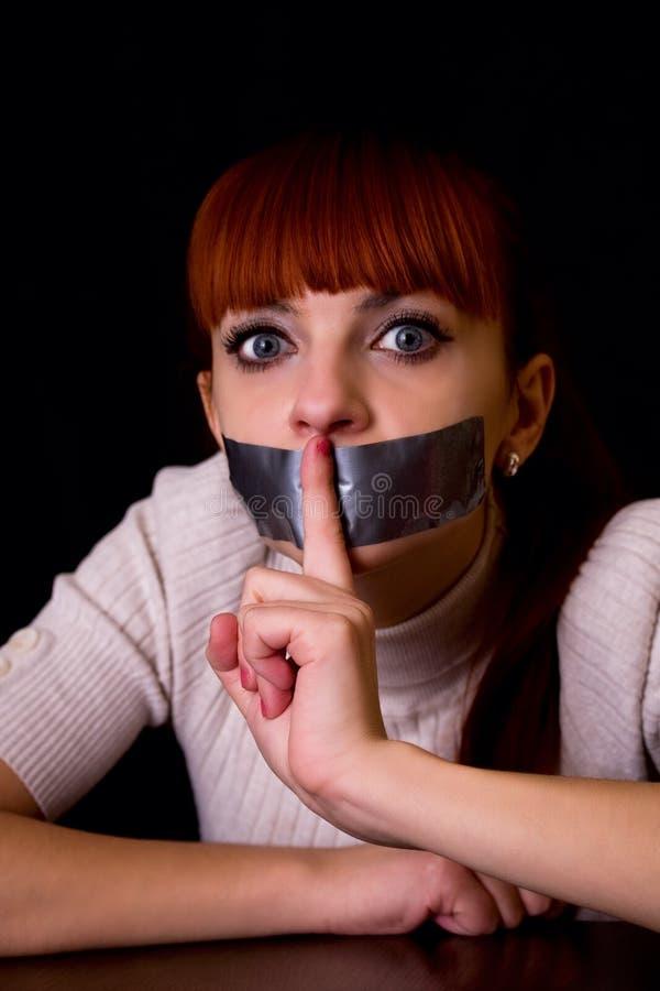 Forcé à rester fille silencieuse photos stock