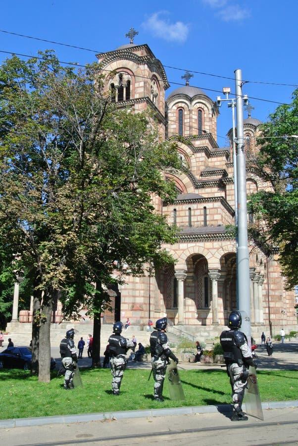 Forces de police au centre de Belgrade image stock