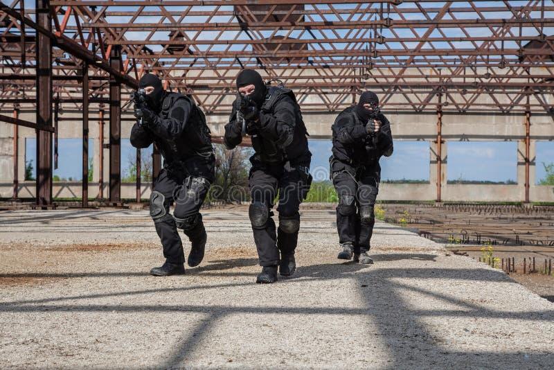 Forces spéciales dans l'action photo stock