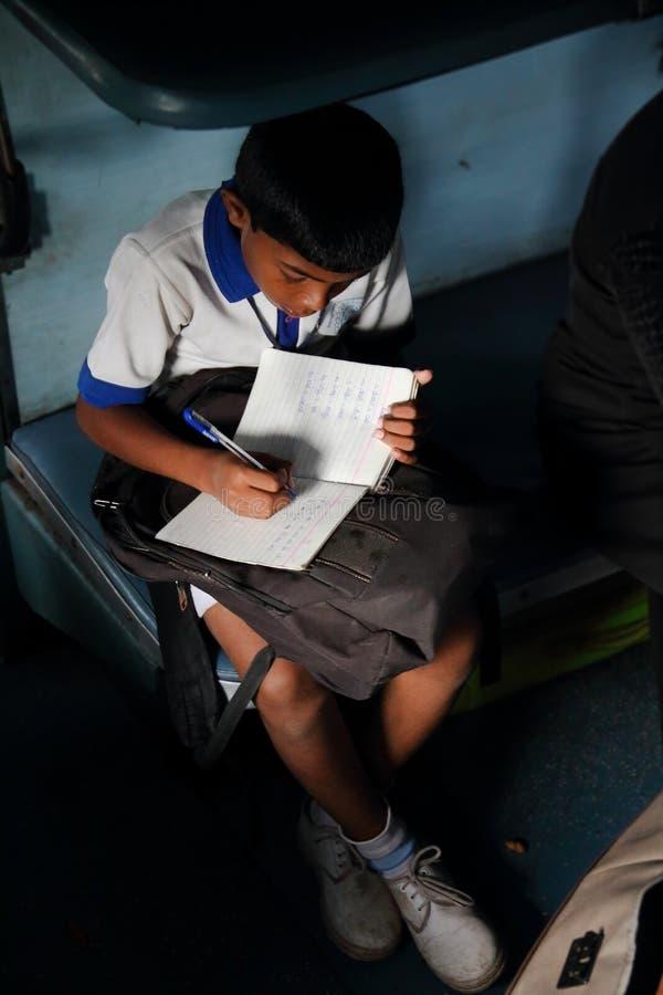 Forcez la main des étudiants indiens image stock