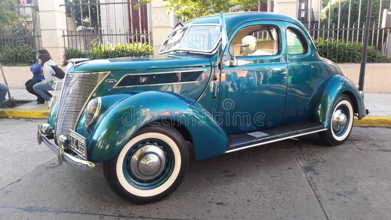 Ford αναδρομικό έξοχο λουξ το 1948 στοκ φωτογραφίες