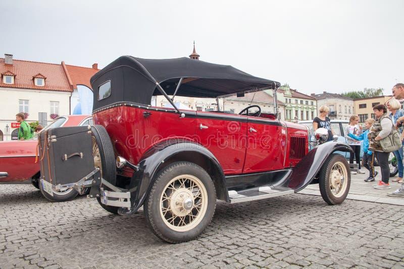 Ford, μπροστινή άποψη, αναδρομικό αυτοκίνητο σχεδίου στοκ εικόνα με δικαίωμα ελεύθερης χρήσης