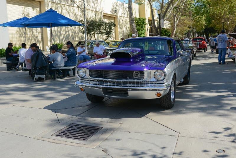 Ford Мustang на дисплее стоковое изображение rf