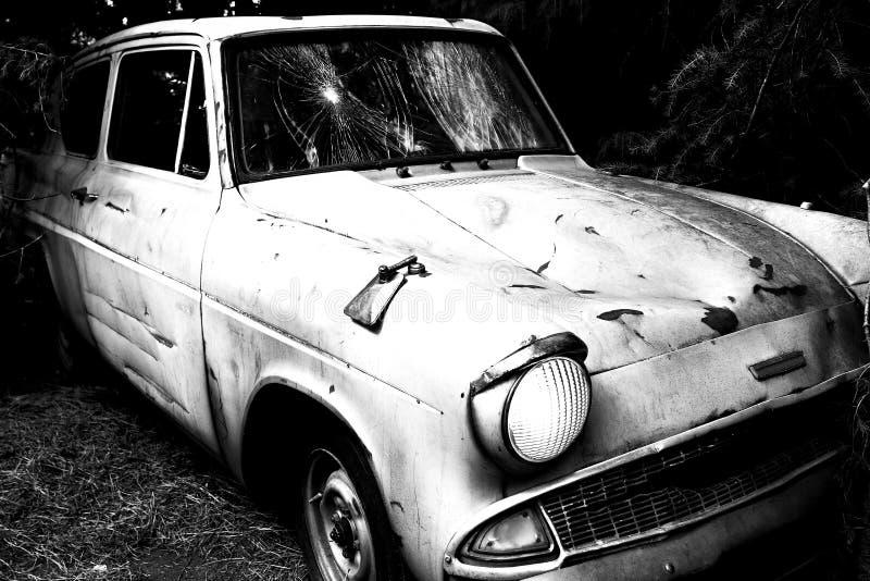 Ford Anglia azul clássico imagens de stock royalty free