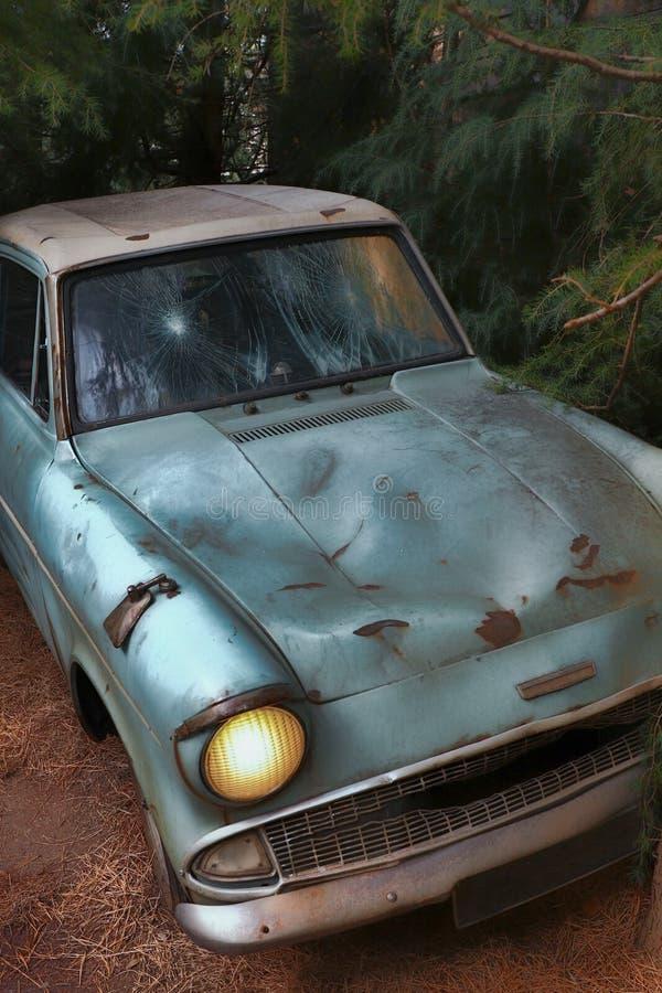 Ford Anglia azul clássico foto de stock royalty free