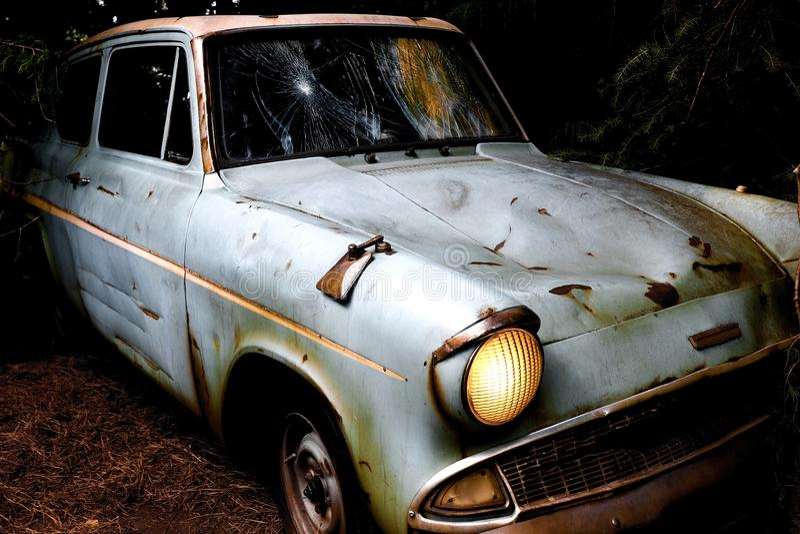 Ford Anglia blu classico immagine stock