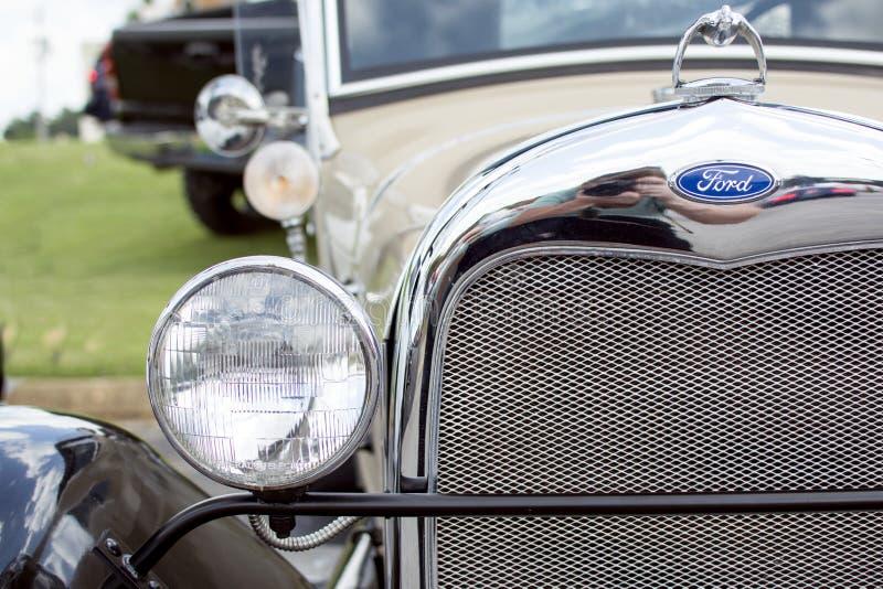 Ford clásico en una demostración de coche fotografía de archivo libre de regalías