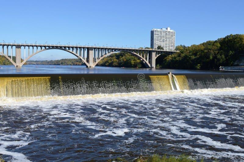 Download Ford Dam foto editorial. Imagem de cinzento, preto, textura - 80101881
