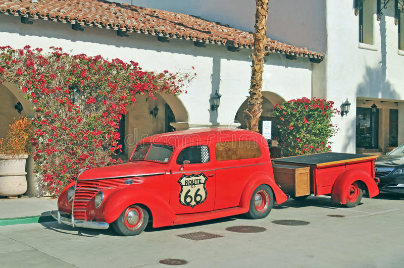 Ford Delivery Truck und Anhänger stockfoto