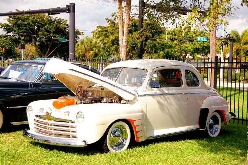 Ford Deluxe 1946 stockbild