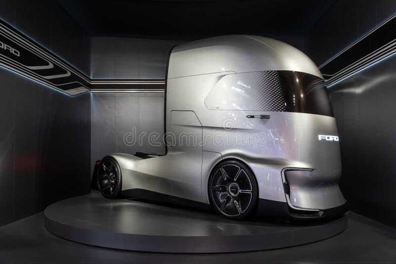 Ford-F-Visie Toekomstige Vrachtwagen, elektrisch en autonoom, royalty-vrije stock afbeelding