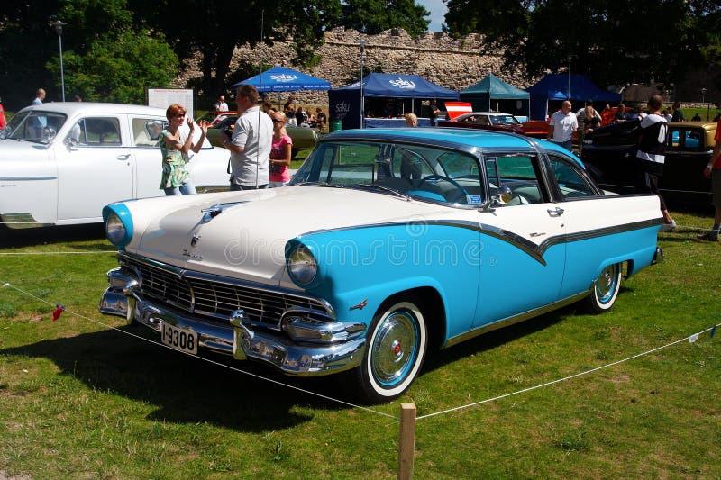 Ford Fairlane 2D HT 1956 stockbilder
