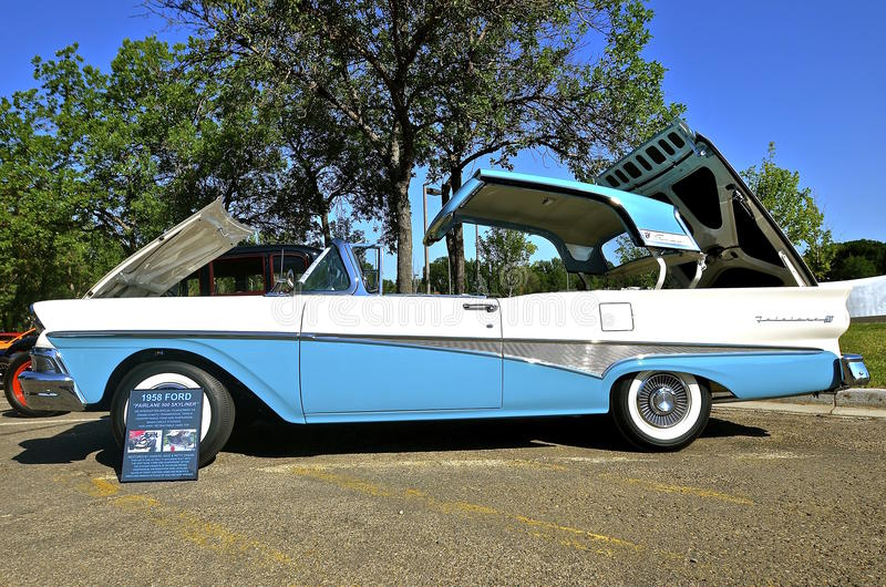 Ford Fairlane 1958 500 Skyliner image libre de droits