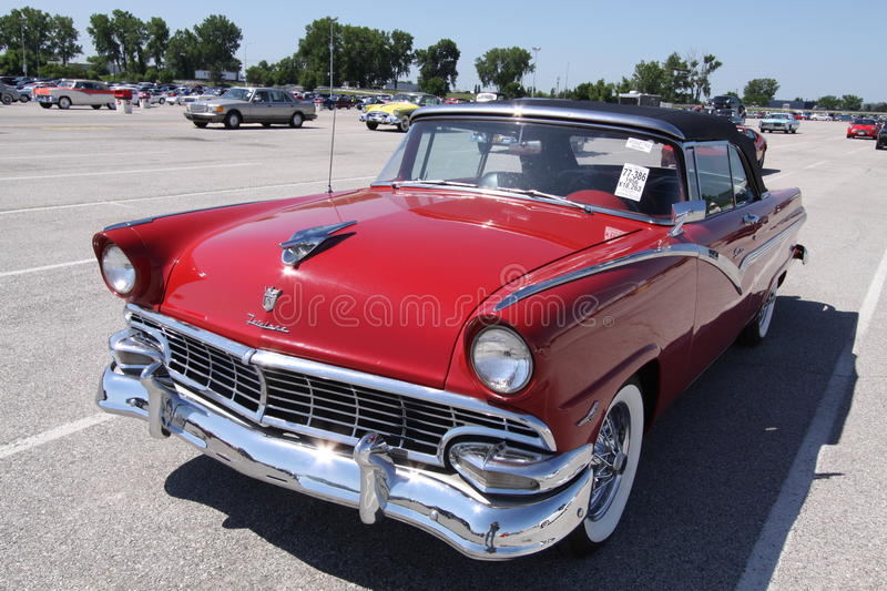 Ford Fairlane Sunliner 1956 images stock