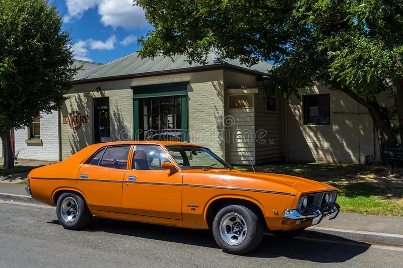 Ford Falcon 500 modern klassisk sedan royaltyfri bild