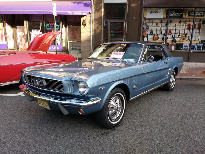 Ford Mustang en un Car Show clásico, los E.E.U.U. imágenes de archivo libres de regalías